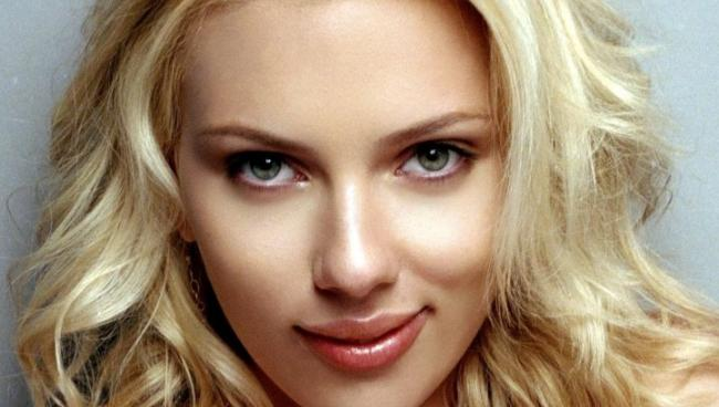 Basta differenze tra uomini e donne: Scarlett Johansson è la più pagata del mondo