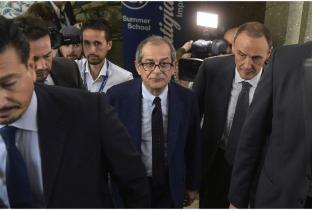 Il fronte di governo scricchiola: il nodo Alitalia rischia di innescare un rimpasto
